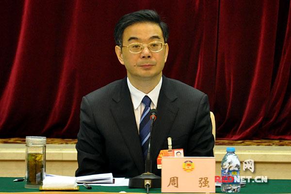 湖南省委书记、省人大常委会主任周强参加省政协十届五次会议民盟、致公、九三学社和文艺界别的联组讨论。